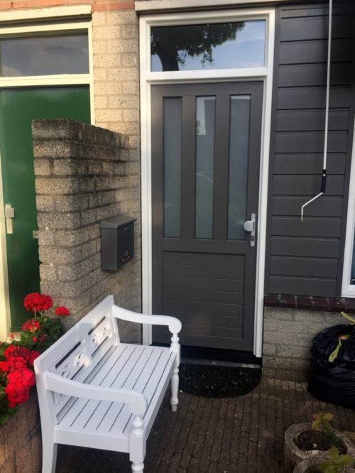 kunststof voordeur geplaatst aan Bredasingel 187 in Arnhem door ETD kozijn.