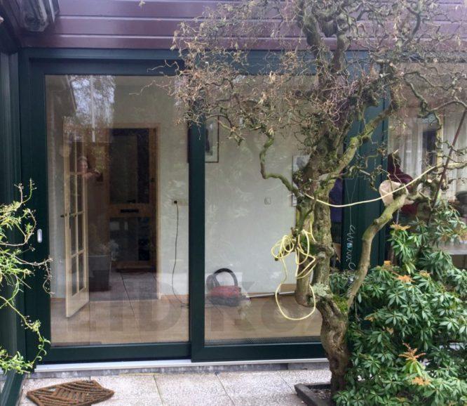 Kunststof Schuifpui geplaatst aan Bachlaan 8 in Rhoon